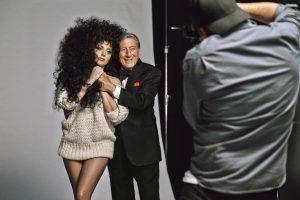 Lady Gaga ir Tony Bennett – pigių drabužių tinklo Kalėdų reklamos kampanijoje