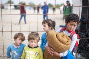 Nepilnamečių pabėgėlių teisės Vengrijoje – mažesnės už kriminalinių nusikaltėlių