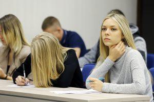 Konstitucijos egzamine Klaipėdoje sublizgėjo moterys