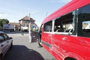 Vilkiko vairuotojas Klaipėdoje taranavo mikroautobusą
