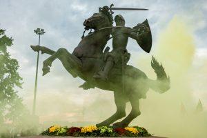 """Kauno policija ieško jaunuolio, """"jodinėjusio"""" ant naujojo Vyčio"""