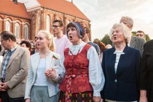 """Lietuvoje ir užsienyje giedota """"Tautiška giesmė"""""""