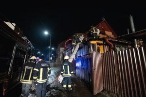Sujudimas Aleksote: nugriaudėjo sprogimas, degė gyvenamasis namas
