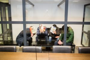 Kaune ir Norvegijoje siautėjusi gauja teisme slapstėsi nuo žiniasklaidos