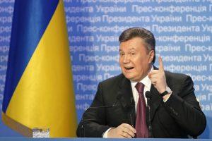 Skelbiama, kad V. Janukovyčius sulaikytas, Kijevas ruošiasi ardyti barikadas