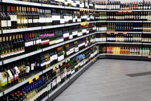 Kitąmet už alkoholį teks mokėti brangiau?