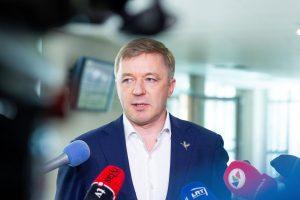 Seimas ketina apsispręsti, ar kurti naują komisiją dėl įtakos politikai