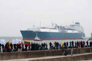 Prezidentė pasirašė įstatymus dėl SGD terminalo laivo išpirkimo