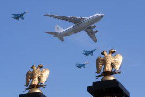 NATO naikintuvai dukart kilo palydėti Rusijos karinių orlaivių