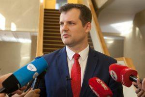 G. Paluckas: premjeras nėra chamas, jis užsiima viešaisiais ryšiais