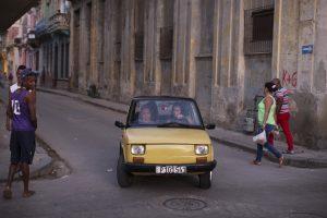 """Kubiečiai kraustosi iš proto dėl lenkiškų """"Fiat 126p"""""""