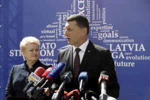 Latvijos prezidentas vis dar – intensyviosios terapijos skyriuje