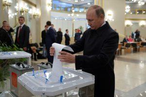 Lietuva ragina Rusiją greitai ištirti Dūmos rinkimų pažeidimus