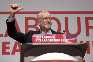J. Corbynas – britų leiboristus supriešinęs kairiojo sparno lyderis