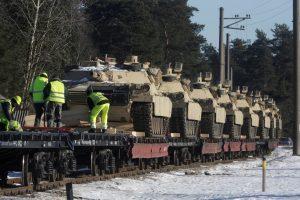 Į Lietuvą atvežti amerikiečių tankai