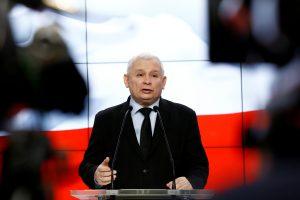 Varšuvoje S. Skvernelis už uždarų durų tris valandas kalbėjosi su J. Kaczynskiu