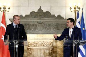 Įtampa tarp Graikijos ir Turkijos auga sausumoje ir jūroje