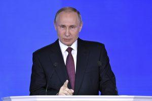 V. Putinas reikalauja įrodymų, kad rusai kišosi į JAV prezidento rinkimus