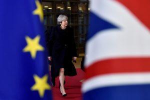 """T. May gresia naujos bėdos: Briuselis atmeta """"Brexit"""" planą"""