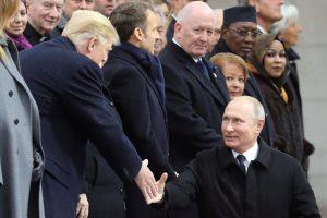 Per pietus Paryžiuje šalia JAV prezidento sėdėjo V. Putinas