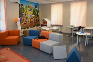 Socialinės apsaugos ministerijoje atidarytas kambarys darbuotojų vaikams