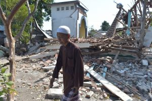 Indonezijos Lomboko salą vėl sukrėtė galingas žemės drebėjimas