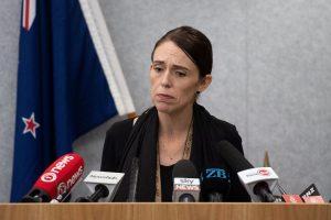 """Naujosios Zelandijos premjerė šaulio """"manifestą"""" gavo kelios minutės iki atakos"""