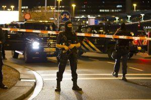 Nerimas Amsterdame: dėl saugumo pavojaus evakuotas oro uostas