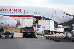 JAV išsiųsti Rusijos diplomatai – jau Maskvoje