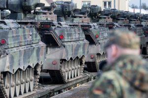 Analitikas: nerimą kelia Europos lyderių bandymas keisti saugumo sampratą