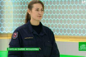 Jaunos ugniagesės gelbėtojos pavojai darbe negąsdina