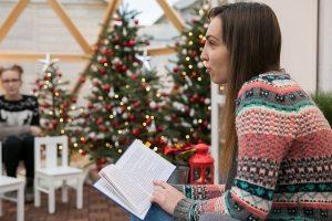 Katedros aikštėje knygas vaikams skaito savanoriai ir žinomi žmonės