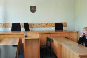 Marijampolėje iš teismo salės bandė pabėgti kaltinamasis