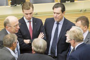 Konservatoriai patvirtino: tarsis su valdančiaisiais dėl paramos svarbiems darbams