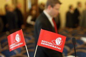 Iš koalicijos trauktis siūlo 14 iš 18 apklaustų socialdemokratų skyrių
