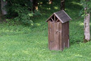 Lietuva tikisi, kad spės išvengti EK sankcijų dėl lauko tualetų