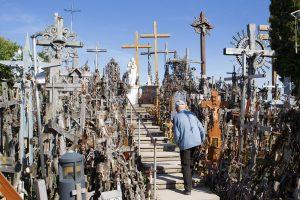 Ruošiamasi griežtinti prekybos prie Kryžių kalno tvarką