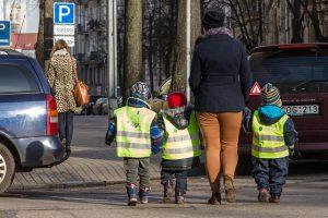 Vaikams pavojingiausia būti automobilio keleiviais