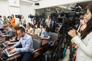 Žurnalistams – interesų deklaracijos, politikams – draudimas valdyti žiniasklaidą