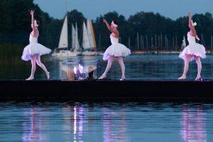 """Baleto šventė Trakuose: ant Galvės ežero – ne tik """"Gulbių ežeras"""""""