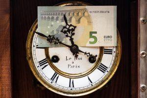 Ar bankai apmokestina indėlių palūkanas?