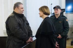 Sausio 13-osios bylos kaltinamasis atkakliai prašosi iš Lietuvos kalėjimo