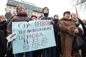 Mokytojams vietoj žadėtų 7 mln. eurų – triskart mažesnė suma