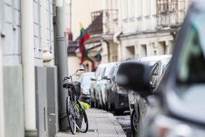 Sumažinti reikalavimai automobilių stovėjimo vietoms prie naujų pastatų