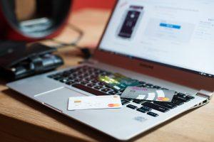 Kaip perkant internetu nepakliūti į sukčių pinkles