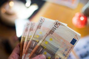 Sukčius iš klaipėdietės išviliojo 950 eurų