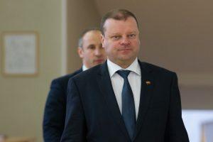"""S. Skvernelis: keleivių vežimas dėl """"Lietuvos geležinkelių"""" pertvarkos nebrangs"""