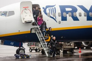 IATA: lėktuvais keliaujančių žmonių skaičius pasaulyje stabilus