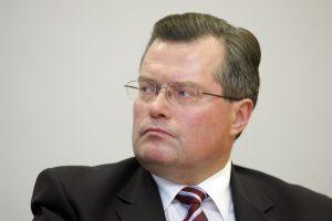Eksministras R. Šukys padavė į teismą VSD