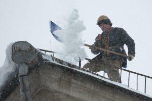 Ugniagesiai perspėja dėl sniego nuošliaužų